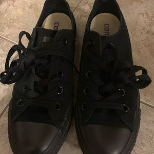 All black women's converse